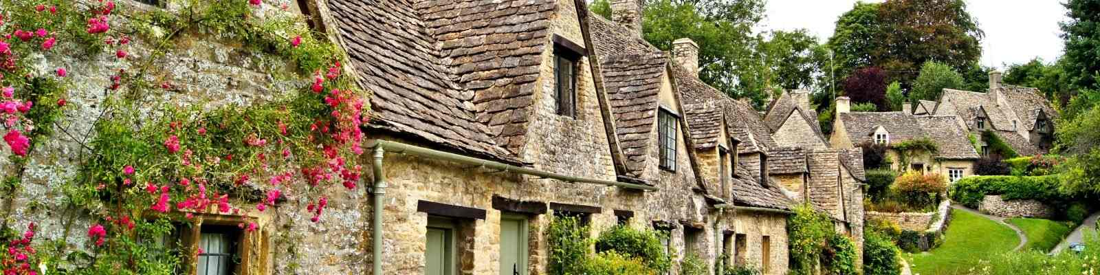 Super Cottage Holidays And Short Breaks In Central England No Home Interior And Landscaping Mentranervesignezvosmurscom