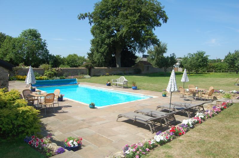 The Old Stone Barn Home In Buckinghamshire Sleeps 6 Pool Wifi