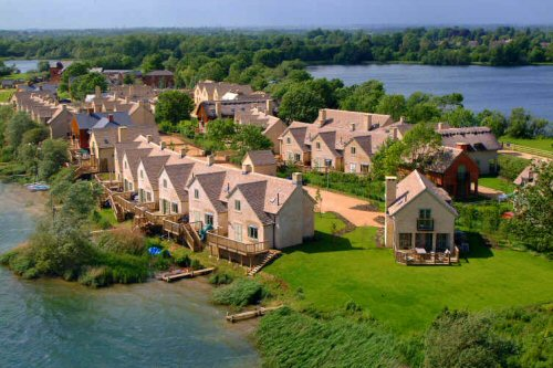 Cotswold Water Park Accommodation Dog Friendly
