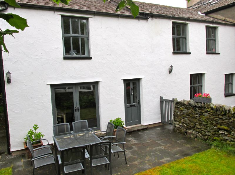 Garden Walk Buffalo Cottage District 5: Oakbank Cottage, 5 Bedroom House In The Lake District