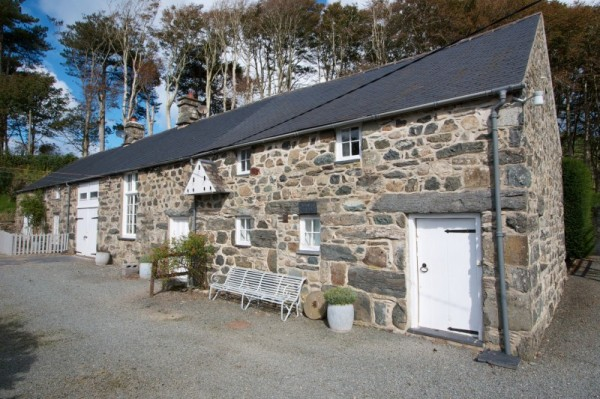 Dove Cottage Self Catering Retreat In Snowdonia Sleeps 4 Pool Wifi