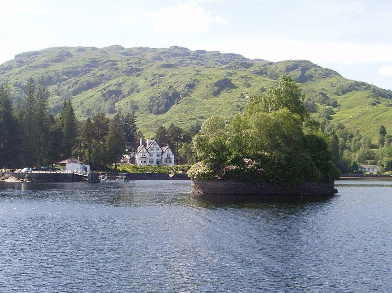 Lochside Cottage Waterside Rental In Loch Lomond