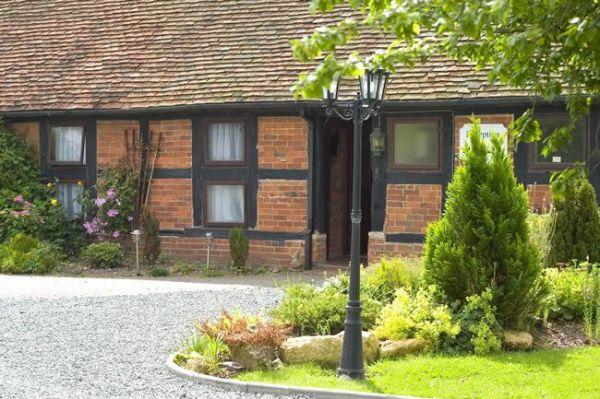 Coughton Lodge 10 Bedroom Lodge In Warwickshire Sleeps