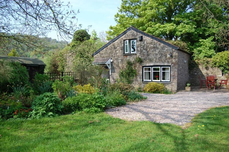 Chateau Cottage Dog Friendly Retreat In The Brecon