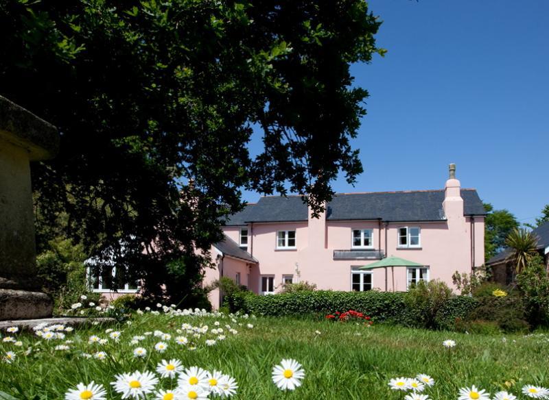 Cornborough Coombe, 4 Bedroom Cottage in Devon, Sleeps 8 ...