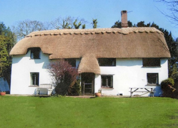 Yew Tree Cottage 4 Bedroom House In The New Forest Sleeps 10