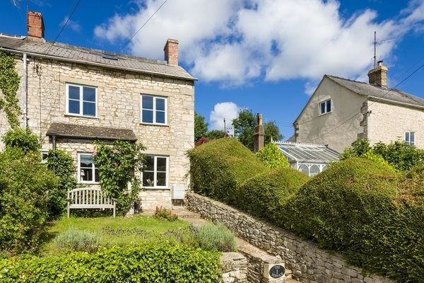Dog Friendly Cottages Cotswolds With Hot Tub