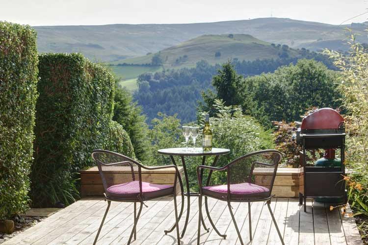 Hope View, Luxury Cottage in The Peak District, Sleeps 2 ...