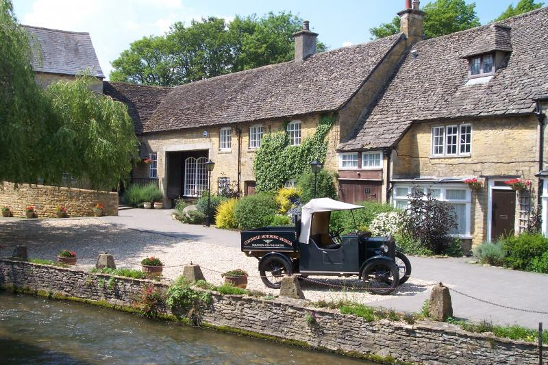 Dog Friendly Cottages Broadway Cotswolds