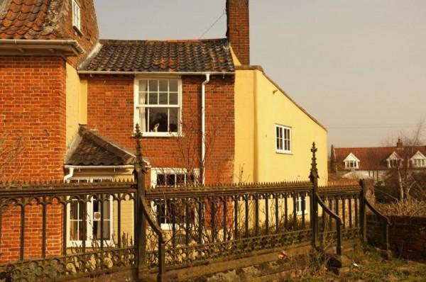 Tyno Holiday Cottage In Norfolk Sleeps 4 6 Nr Pub