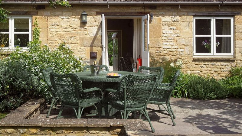 Shipton Family Friendly Luxury Bungalow In The Cotswolds
