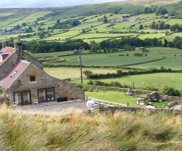 Farmhouse Kitchen Yorkshire Tv Dvd: Midweek Cottage, Flexible Bunk Barn In The North York