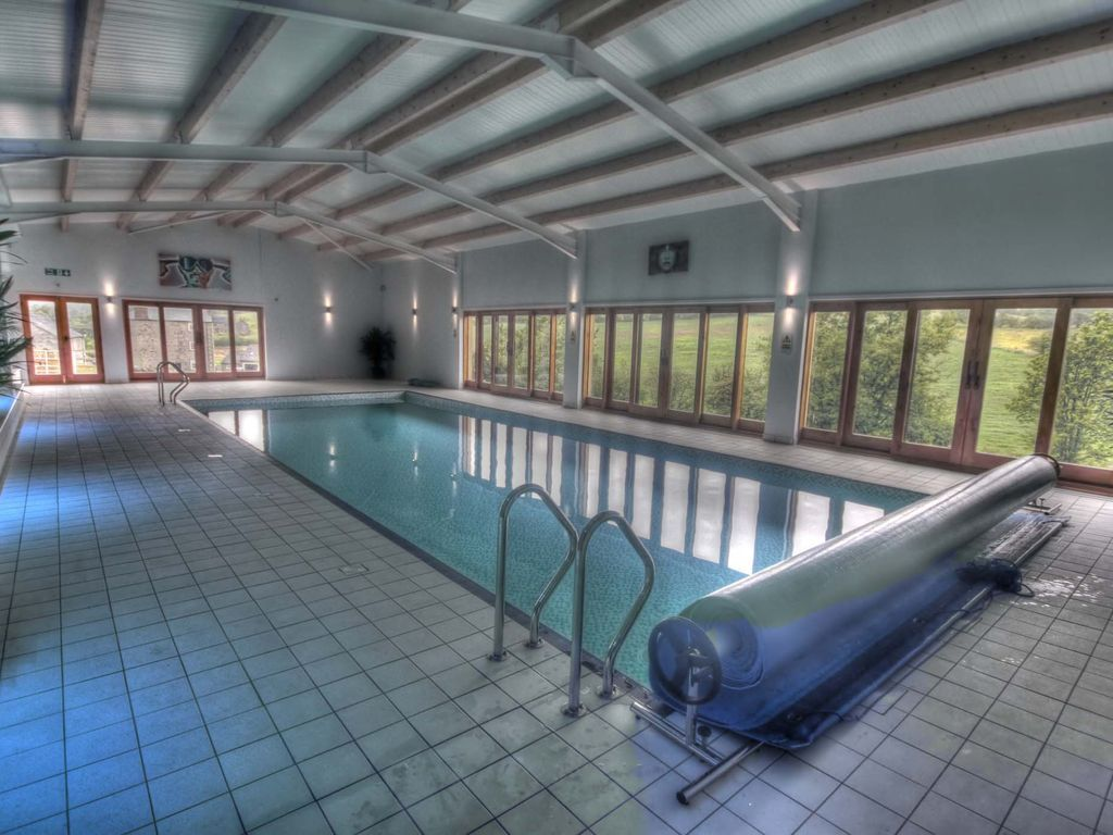 Winn cottage holiday home in the peak district indoor - Holiday homes with indoor swimming pool ...