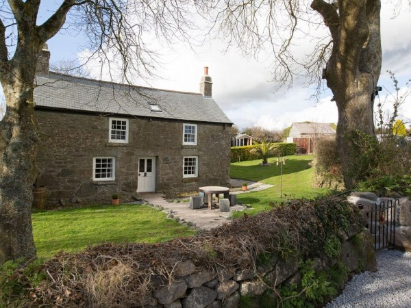 Astonishing Phoenix Cottage Dog Friendly Rental In Cornwall Sleeps 5 Beutiful Home Inspiration Xortanetmahrainfo
