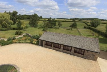 Incredible Holiday Cottages In The Cotswolds Self Catering Cotswolds Interior Design Ideas Gentotryabchikinfo
