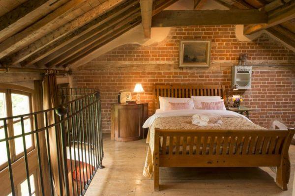 Dons Barn Romantic Holiday Home In Suffolk Sleeps 2