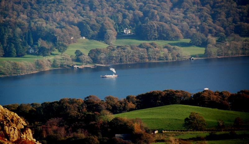 Steamer boat on Lake