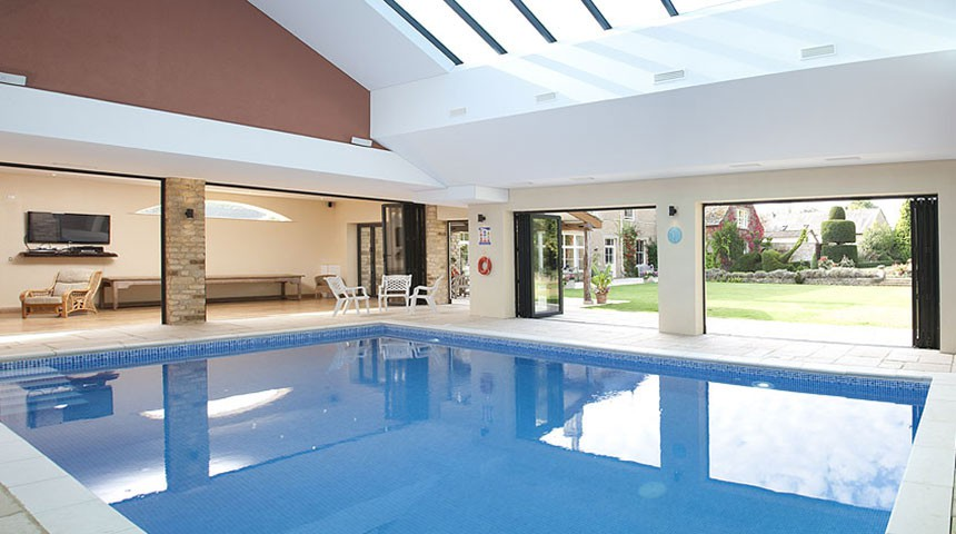 The best of holiday cottages with swimming pools - Holiday homes with indoor swimming pool ...
